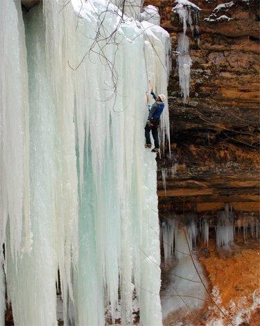 ice_climbing_Munising